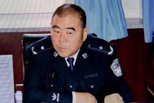 """""""呼格案""""专案组组长冯志明一审获刑18年.jpg"""