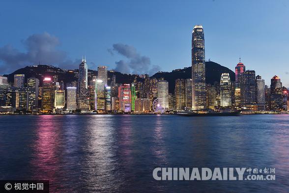 """回归20周年,香港""""一国两制""""下的经济成就.jpg"""