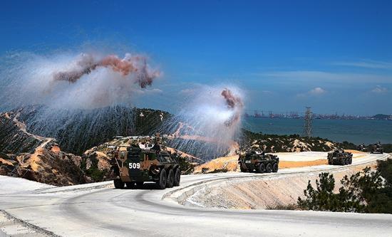 驻香港部队进驻20年:没有发生任何政治性问题.jpg