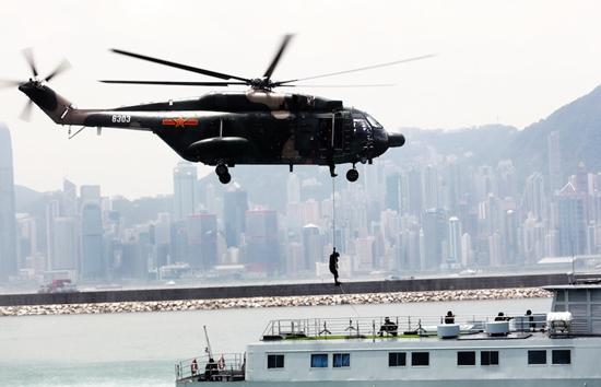 驻香港部队进驻20年:没有发生任何政治性问题2.jpg