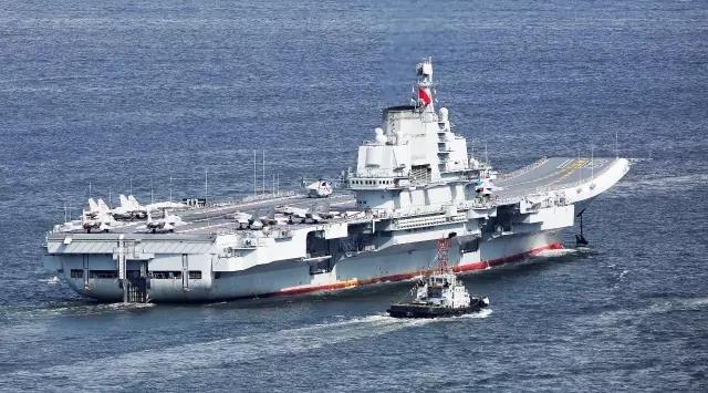 惊涛骇浪中的中国航母17.webp.jpg