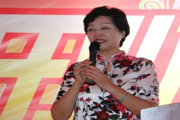 阿斯塔纳世博会经贸文化艺术展组委会秘书长谢有玲.JPG