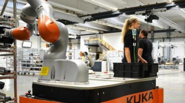 外媒称中国机器人发展速度惊人 或很快碾压美国2.jpg