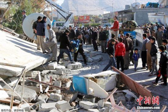 两伊边境7.8级强震:近7000人伤亡 多国愿伸援手3.jpg