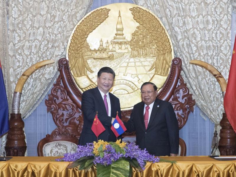 习近平同老挝人民革命党中央总书记本扬会谈3.jpg