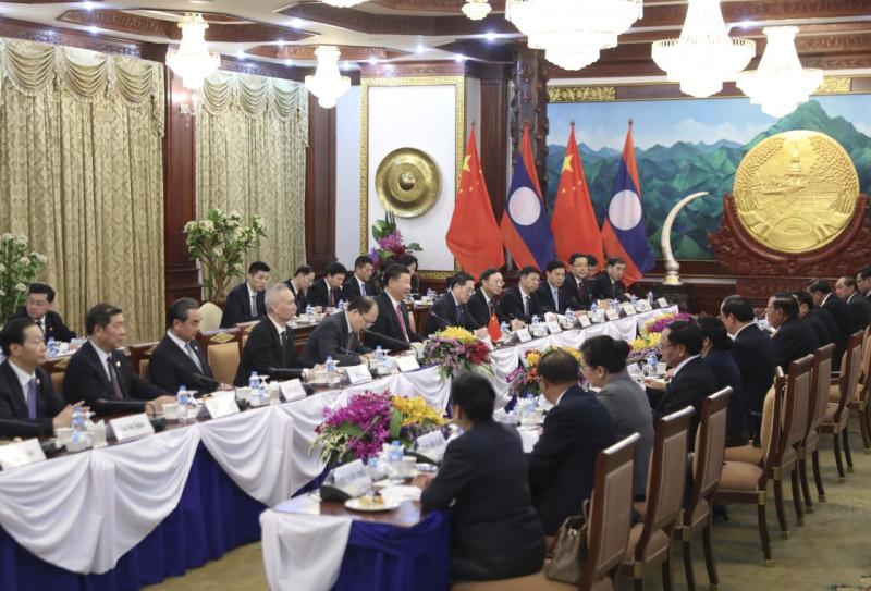 习近平同老挝人民革命党中央总书记本扬会谈2.jpg