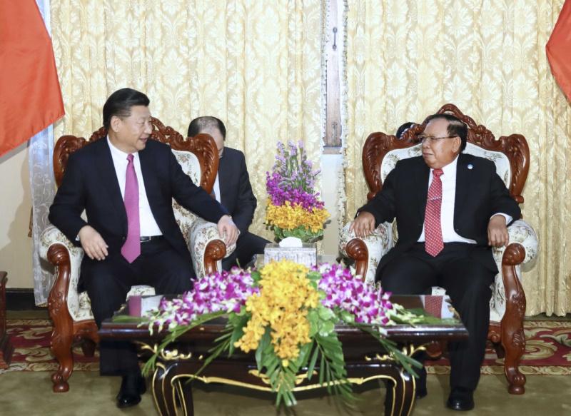 习近平同老挝人民革命党中央总书记本扬会谈1.jpg
