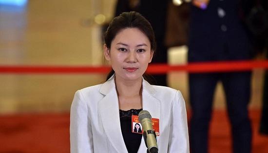 全国人大代表、内蒙古赤峰星之路自闭症儿童康复中心校长王欣会.jpg