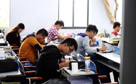 教育部:高考延期一个月.jpg
