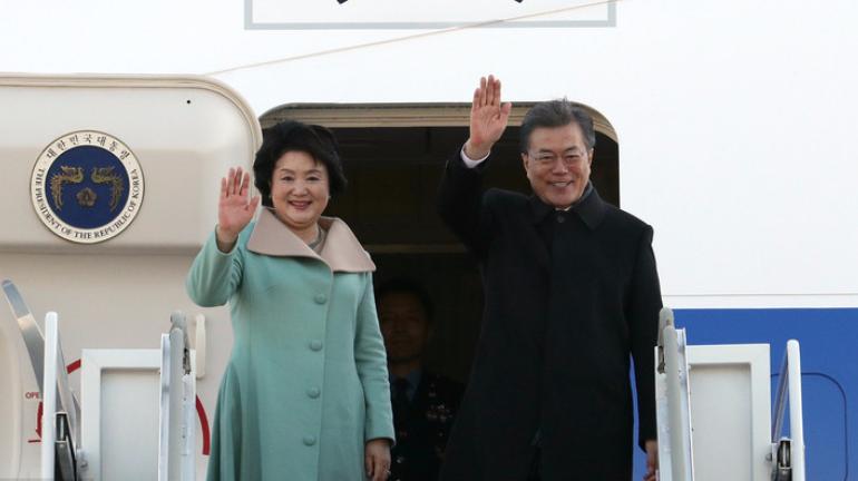 韩国总统文在寅抵京 开始对中国进行国事访问